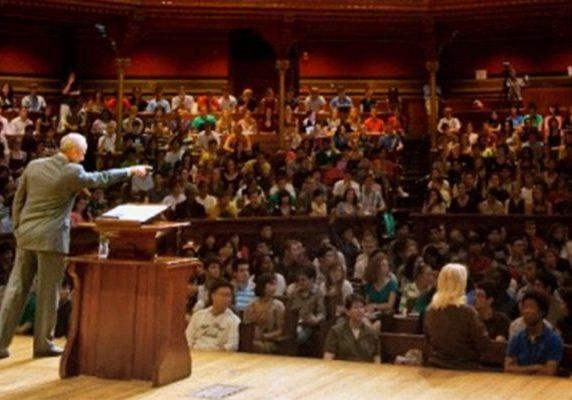 Michael Sandel teaches Justice class